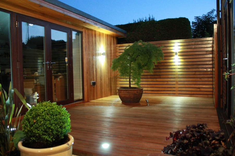 Western Red Cedar 17 x 94mm T.G.V., 20 x 95mm P.A.R. & 25 x 95mm P.A.R. + Rd's Special decking