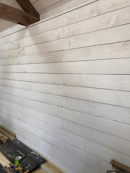 Siberian Larch U/S Grade 25x150mm sawn painted white
