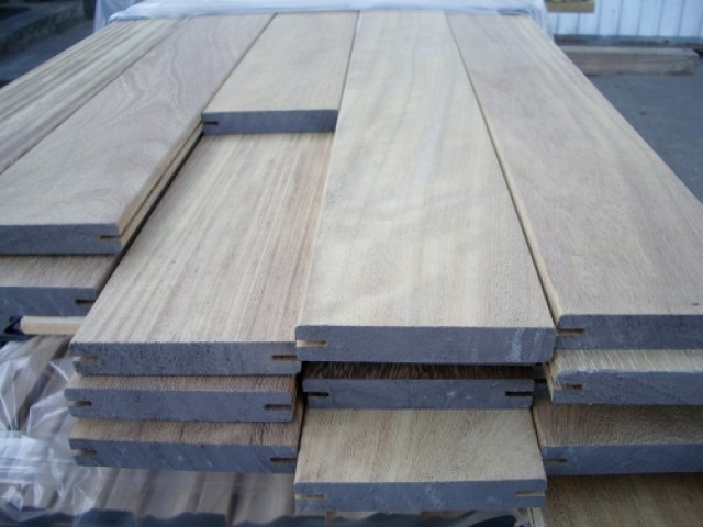 Iroko 20 x 140mm Smooth Double