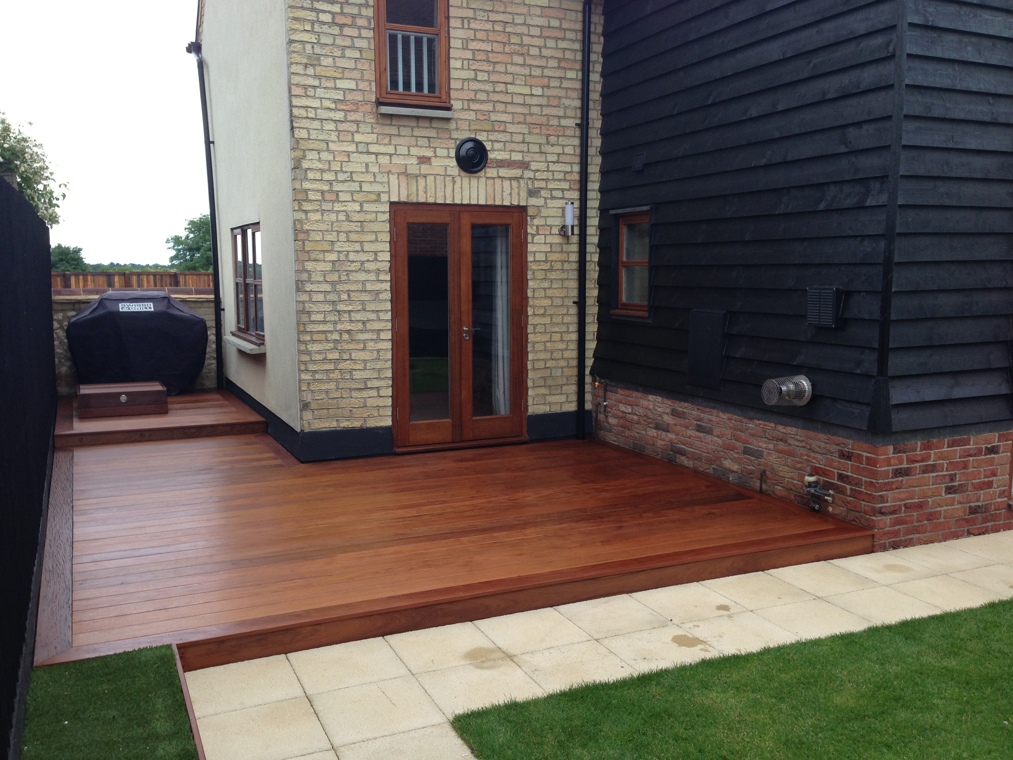 Ipe 21 x 145mm smooth 2 sides hidden fix seconds for Timber decking seconds